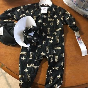 Other - New NWT New Orleans saints sleeper 0-6 hat booties